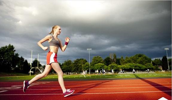 在塑胶跑道上跑步后,需要注意哪些事项呢